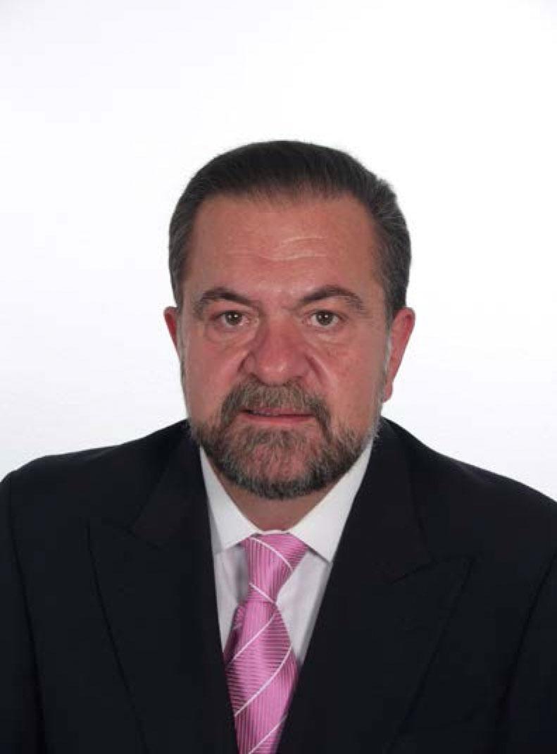 José Luis Gil - Escuela de Formación Profesional Canina 6a073a49c76